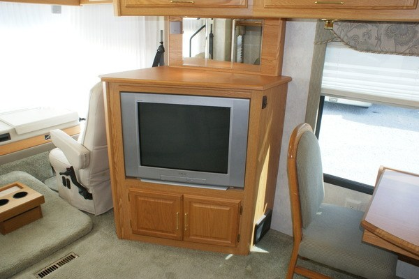 Excellent 2000 Winnebago Adventurer 35U Class A Gas Motorhome Stock