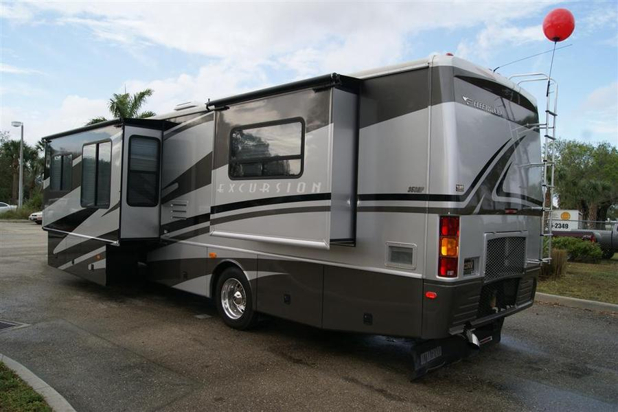 2005 fleetwood excursion 39s class a diesel motorhome for Class a diesel motor homes