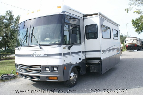 Lastest 2005 Winnebago Adventurer 33V Class A Gas Motorhome Stock