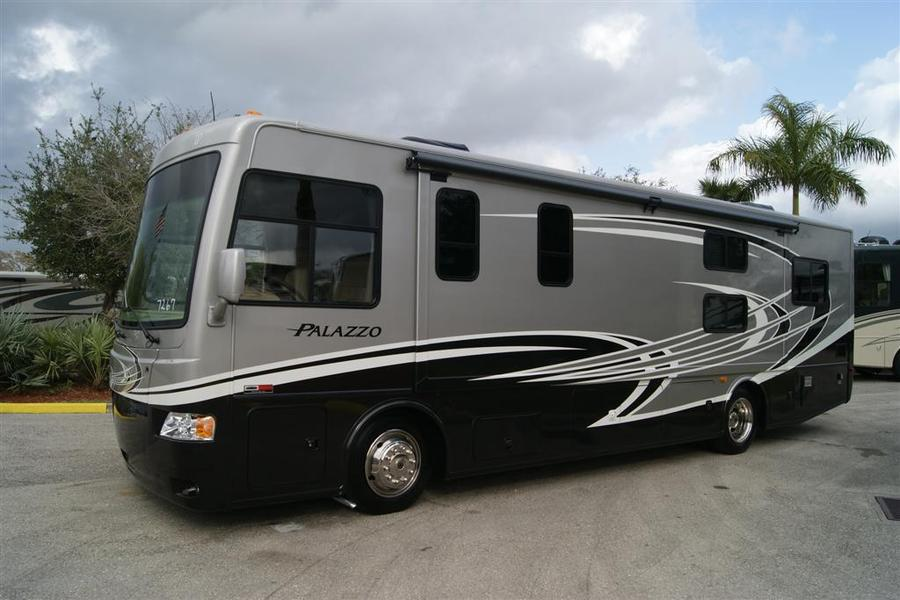 2013 Thor Motor Coach Palazzo 33 3 Class A Diesel