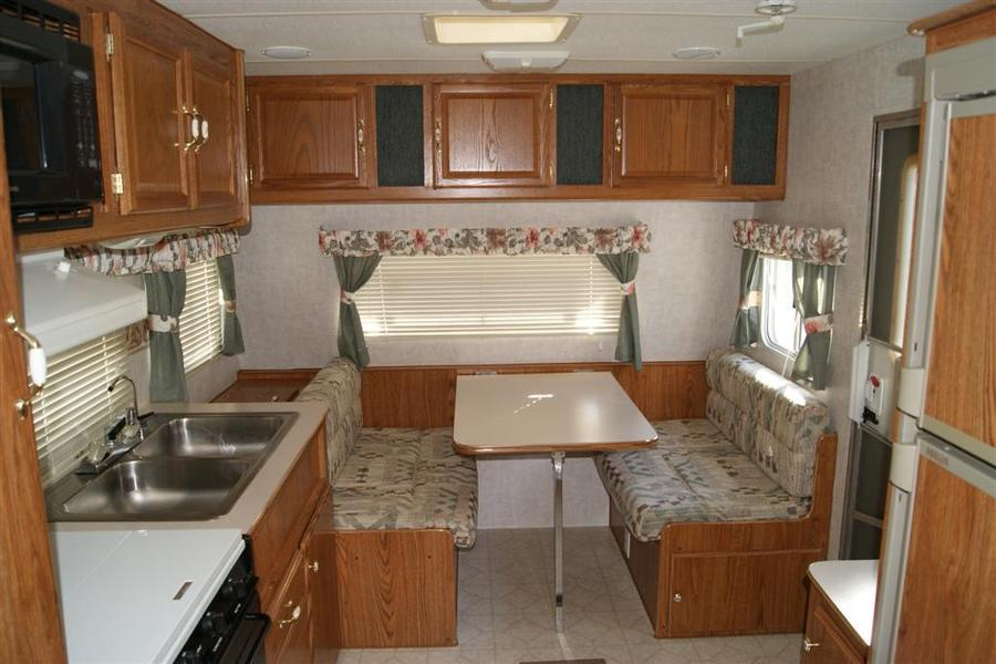 2000 Fleetwood Mallard 19N Travel Trailer (Stock# 6805-1)