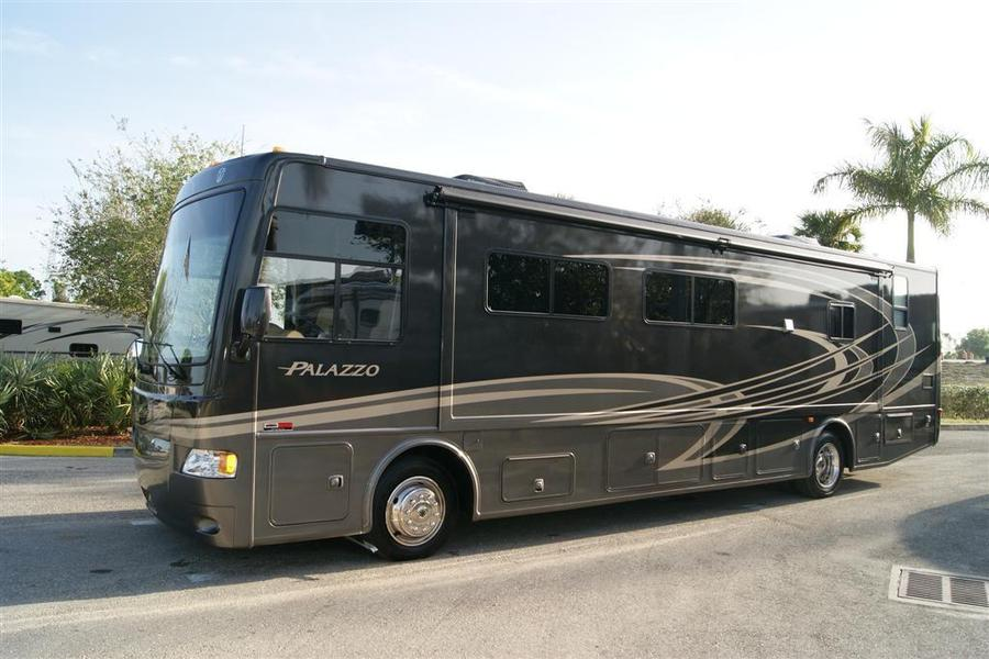 2013 Thor Motor Coach Palazzo 36 1 Class A Diesel