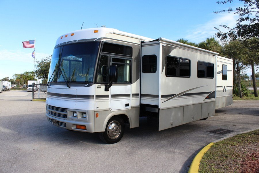 Cool 2003 Winnebago Adventurer 35U Class A Gas Motorhome Stock