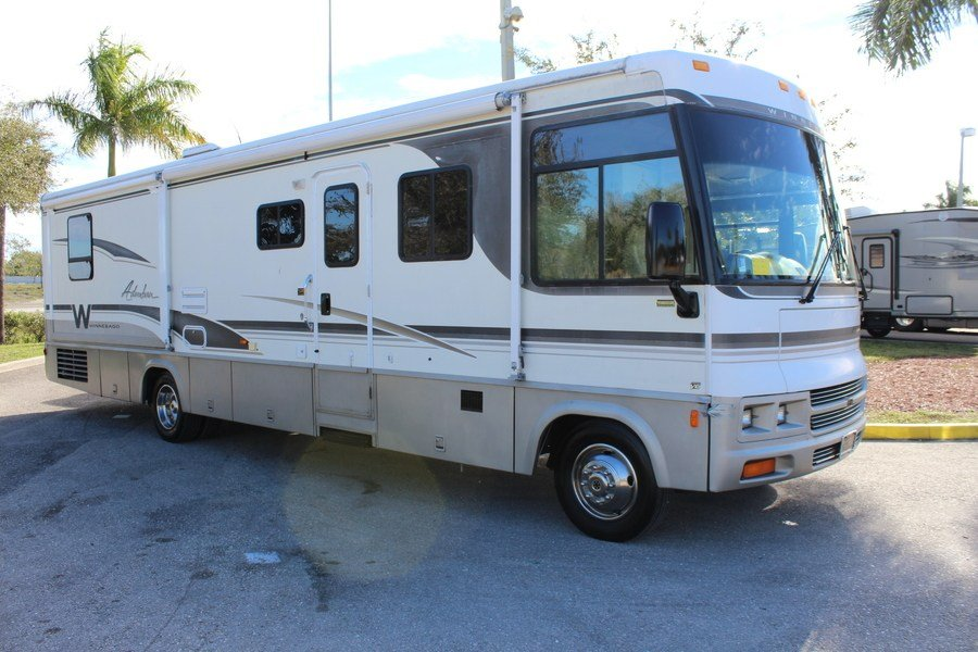 Beautiful 2005 Winnebago Adventurer 33V Class A Gas Motorhome Stock