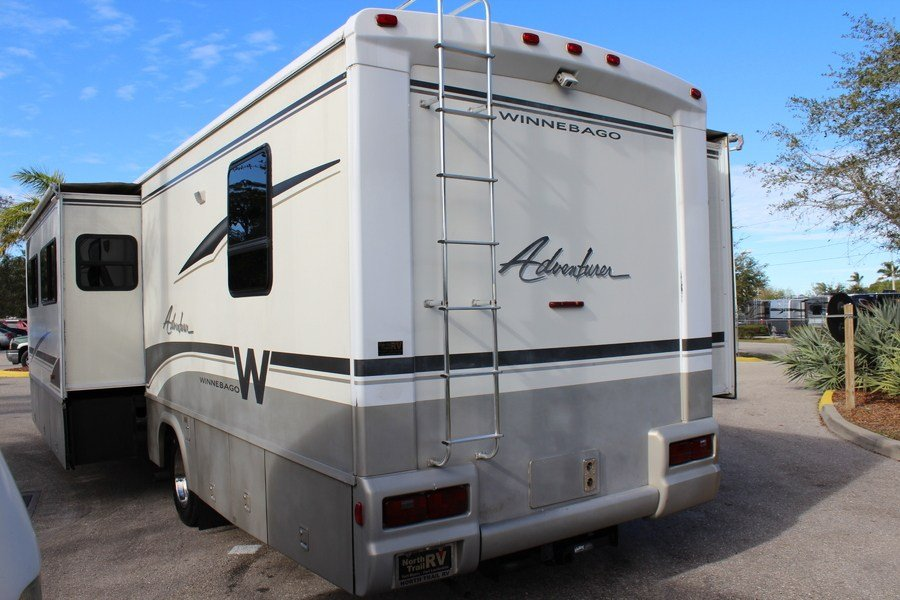Awesome 2004 Winnebago Adventurer 37B Class A Gas Motorhome Stock