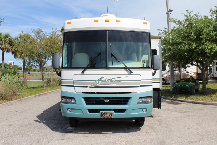 Creative 2005 Winnebago Adventurer 33V Class A Gas Motorhome Stock