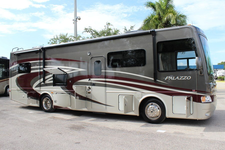 2015 Thor Palazzo 33 3 Class A Diesel Motorhome Stock 8214