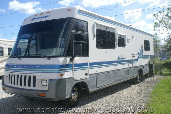 Excellent 2000 Winnebago Adventurer 32 Class A Gas Motorhome Stock