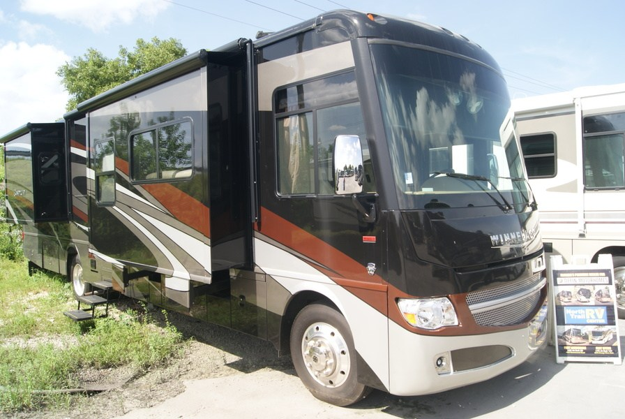 Luxury 2010 Winnebago Adventurer 35P Class A Gas Motorhome Stock