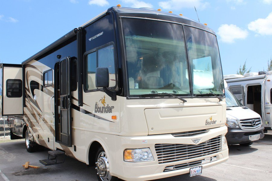 2007 Fleetwood Bounder 35E Class A Gas Motorhome (Stock ...