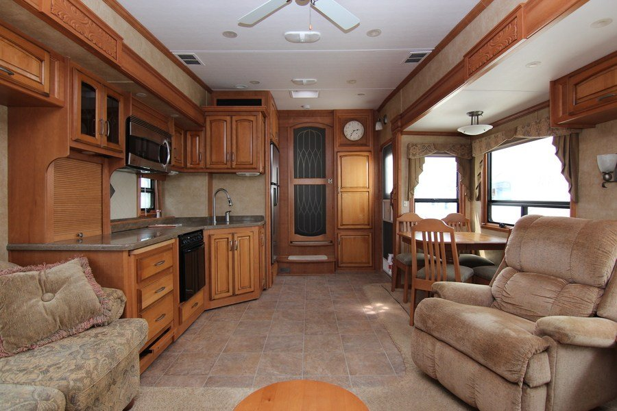 Mobile Tire Service >> 2010 Drv Luxury Suites Mobile Suites 36RE3 Fifth Wheel ...