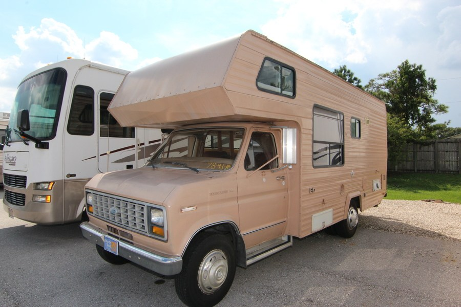 1983 Honey Honey 23 Class C Motorhome (Stock# 7841-A5)