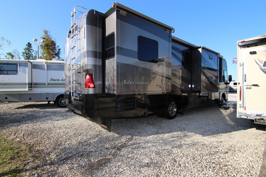 Elegant 2001 Winnebago Adventurer 35U Class A Gas Motorhome Stock