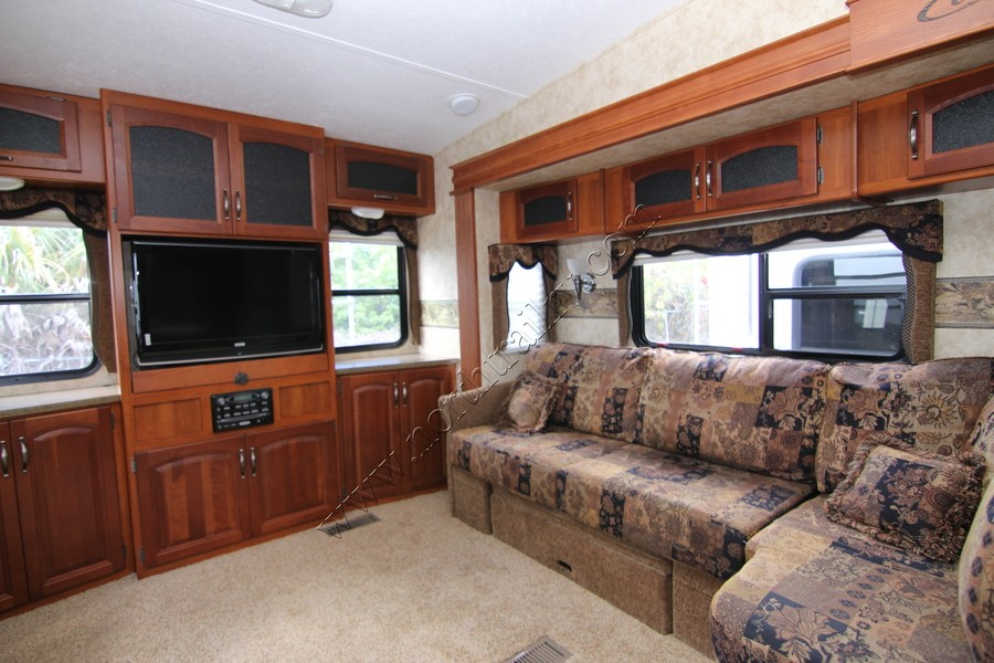 2011 Keystone Cougar 327RES Fifth Wheel (Stock# 18276