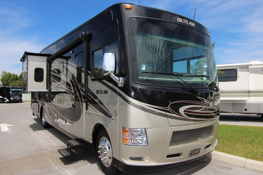 2016 Thor Outlaw 37rb Class A Gas Motorhome Stock 8739 2