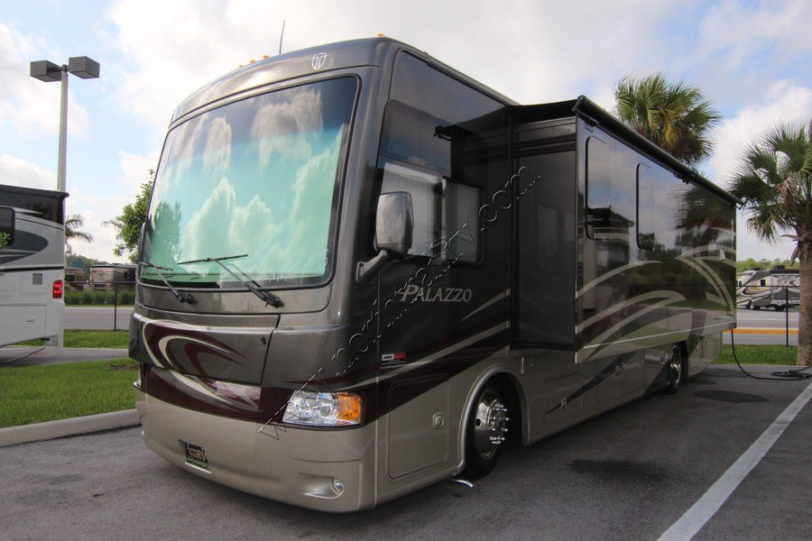 2015 Thor Palazzo 33 2 Class A Diesel Motorhome Stock 8215