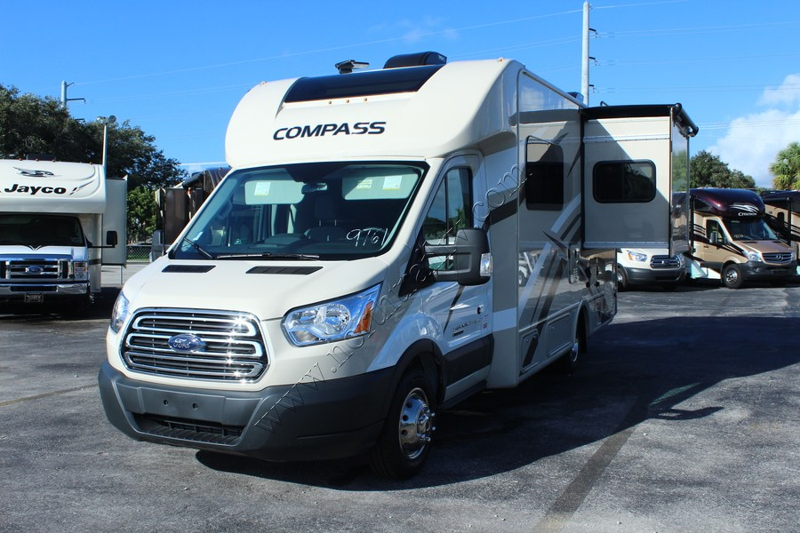 Excellent Status Used Year 2012 Floorplan 30sfs Fuel Gas Mileage 15341