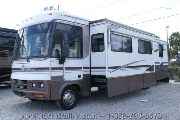 Original 2000 Winnebago Adventurer 32 Class A Gas Motorhome Stock