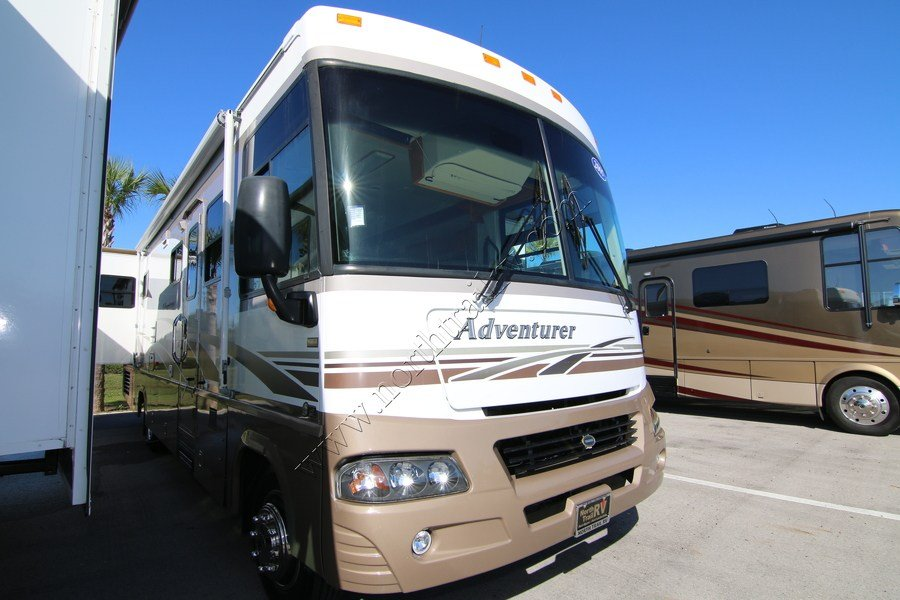 Cool 2000 Winnebago Adventurer 35U Class A Gas Motorhome Stock