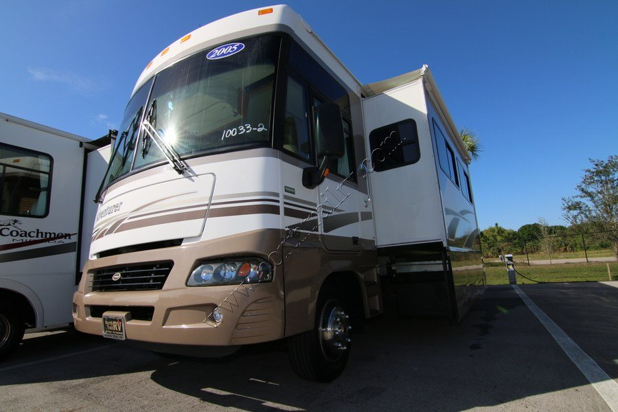 Beautiful 2006 Winnebago Adventurer 35A Class A Gas Motorhome Stock
