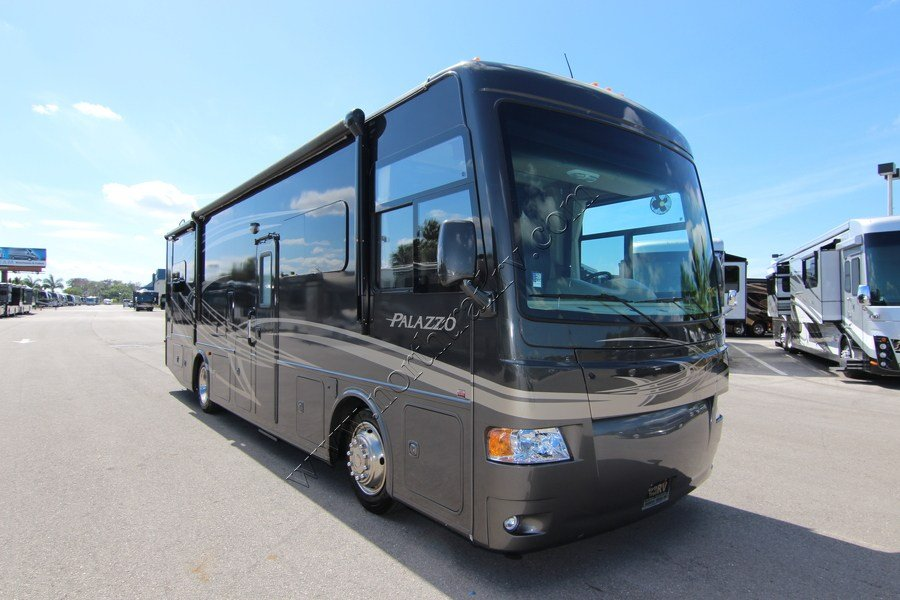 2013 Thor Palazzo 33 3 Class A Diesel Motorhome Stock