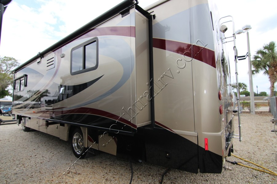 Amazing 2001 Winnebago Adventurer 35U Class A Gas Motorhome Stock