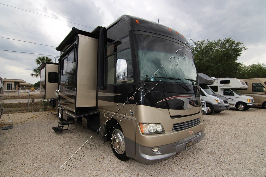 Wonderful 2005 Winnebago Adventurer 33V Class A Gas Motorhome Stock
