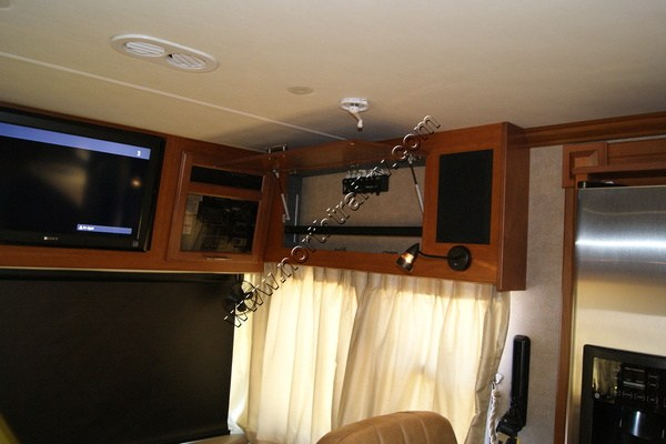 2010 Fleetwood Discovery 40x Class A Diesel Motorhome
